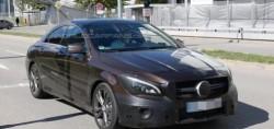 Фотошпионы подловили обновленный автомобиль CLA от Мерседес без камуфляжа