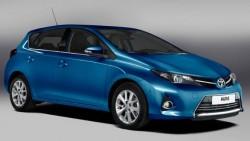 Обзор автомобиля Toyota Auris 2012